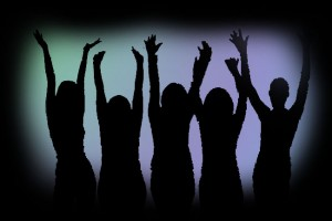 1silhouette group_of_multi-ethnic_women_cheering_bld036949